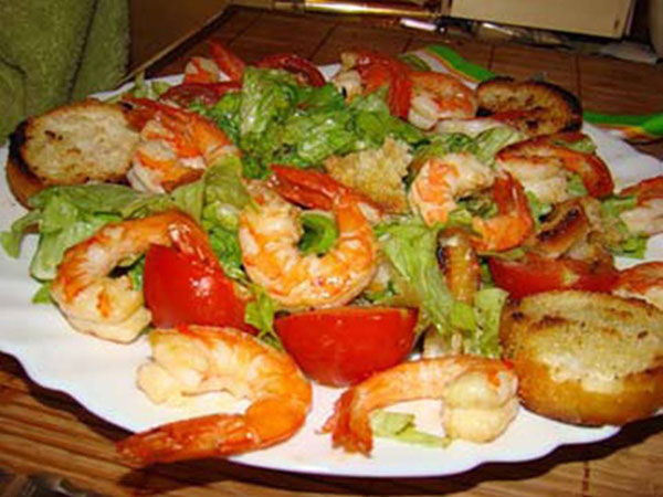Рецепт салата с помело и креветками