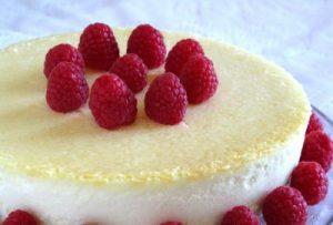 Рецепт нежного чизкейка с малиной