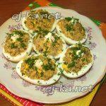 Яйца, фаршированные печенью с морковью и луком