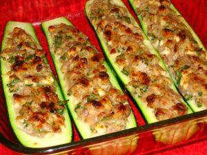 кабачки лодочки с рисом и фаршем