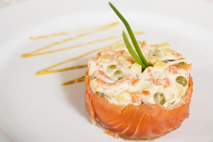 Салат оливье с красной рыбой рецепт с