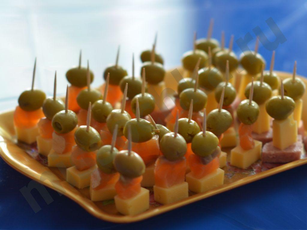 Бутерброды канапе на шпажках на праздничный стол рецепты 5
