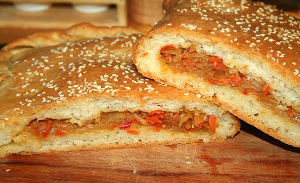 заливной пирог с капустой на кефире рецепт с фото пошагово в духовке