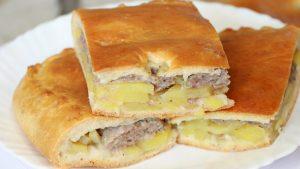 Пирог с мясом и картошкой из дрожжевого теста