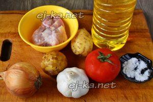 Ингредиенты для приготовления жаркого в горшочках из курицы с картошкой в духовке