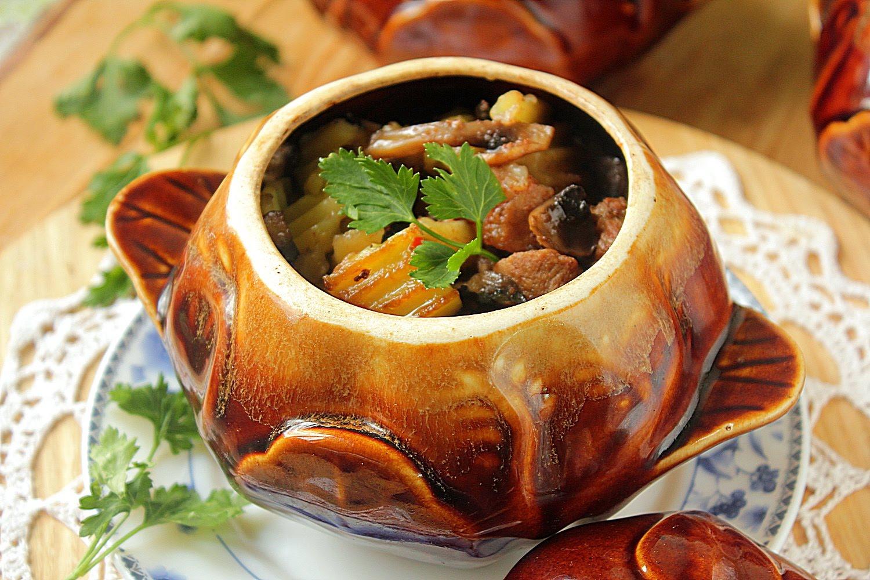 Как готовить жаркое в горшочках в духовке