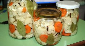 salat-iz-cvetnoi%cc%86-kapusty-na-zimu-bez-sterilizacii