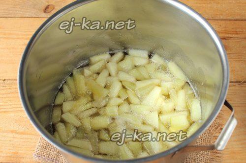 Поставить варить варенье из дыни на зиму