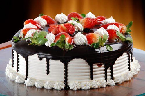 Торт с клубникой пошагово в домашних условиях