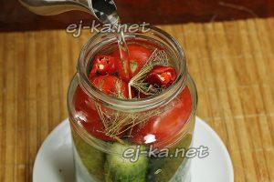 Залить овощи кипятком