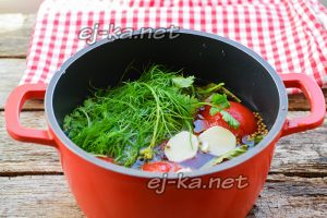 Добавить к помидорам зелень