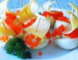 Миниатюра к статье Яйца фаршированные беконом