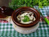 Миниатюра к статье Курица с грибами и картошкой в горшочке