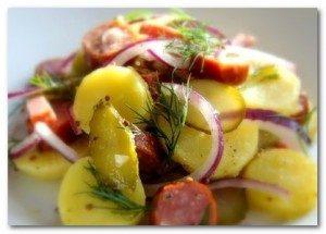 Салат с солеными огурцами