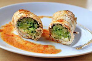 kurinie rolli s brokkoli i sirom