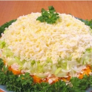 Царский салат с курицей
