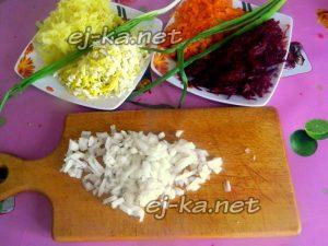 Отварить и измельчить овощи