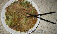 Ароматная фунчоза с мясом и овощами