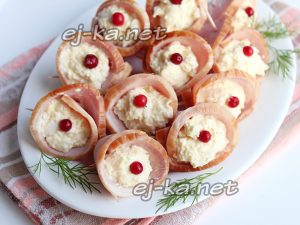 Рулетики из ветчины с сыром и чесноком рецепт с фото