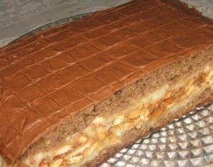 Торт Сникерс с арахисом