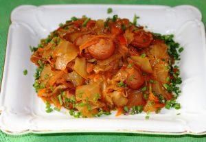 Солянка из капусты с сосисками