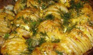 Запекать картошку вкусно