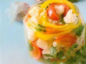 Салат с цветной капустой зимний
