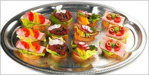 канапе на шпажках на праздничный стол, простые рецепты с фото