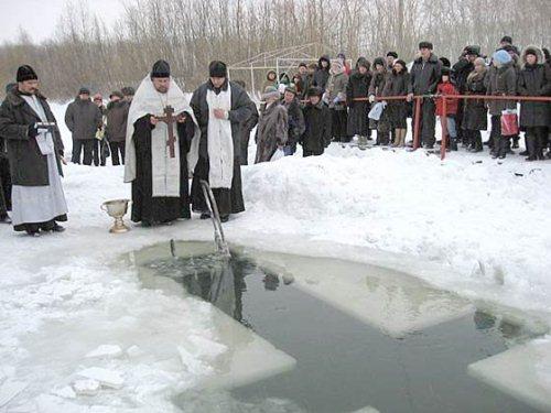 Освящение крещенской проруби