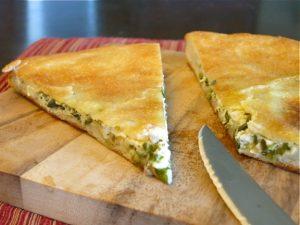 Осетинский пирог с сыром и зеленью с зеленью