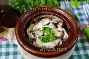 Курица в горшочках с картошкой и грибами в духовке: рецепт с фото