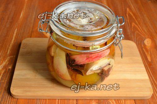 Закрыть компот из слив и яблок на зиму крышками