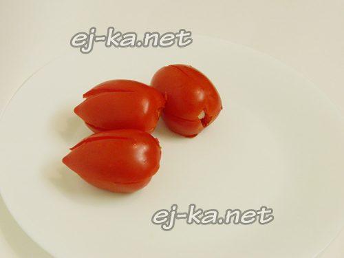 Соединить половинки помидоров