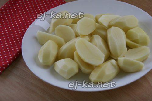 крупно нарезать картошку