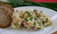 Оливье с колбасой и солеными огурцами