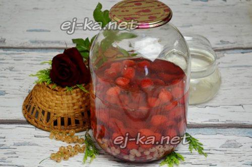 залить ягоду кипятком