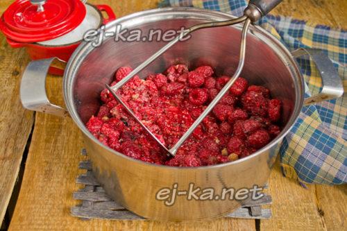 Разминание ягод