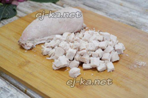 нарезаем вареное филе