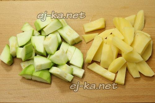 кабачки и картофель соломкой