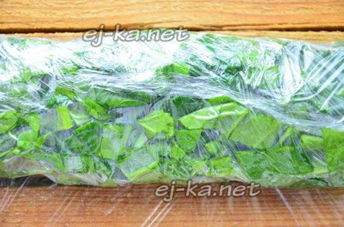 Замороженный шпинат в брикете