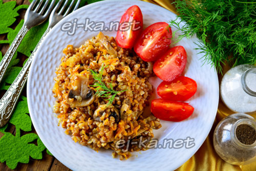 гречка с грибами и луком готова