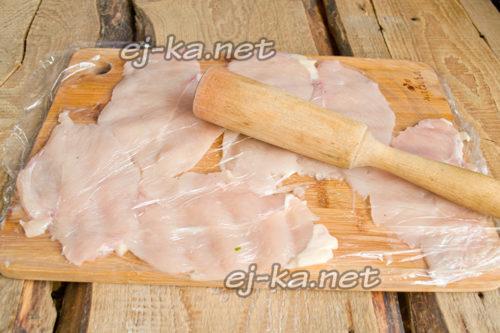 отбиваем деревянным молотком