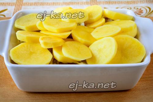 добавление картошки к рыбе