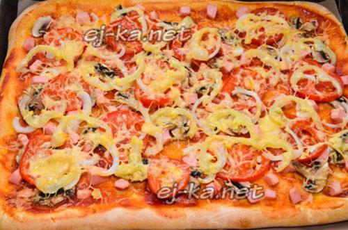 Выпекать пиццу