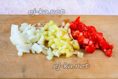 нарезать другие овощи