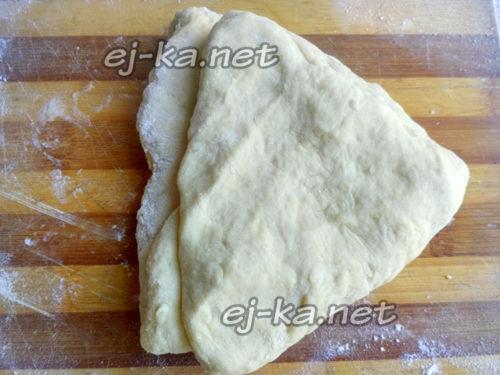 сложить тесто