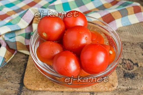 чистые спелые помидоры