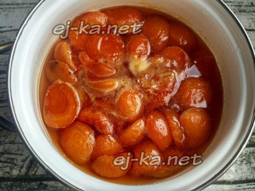 абрикосы после 6 часов настаивания