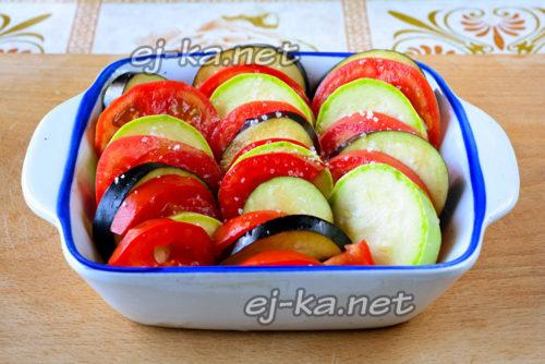 укладка овощей в блюдо