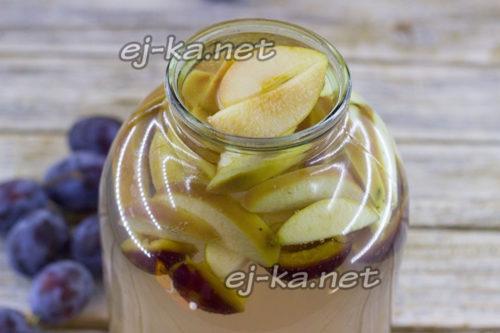 залить фрукты сиропом